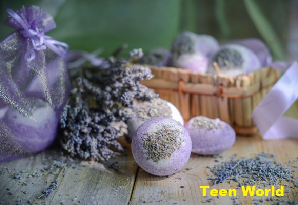 Soothing bath bombs